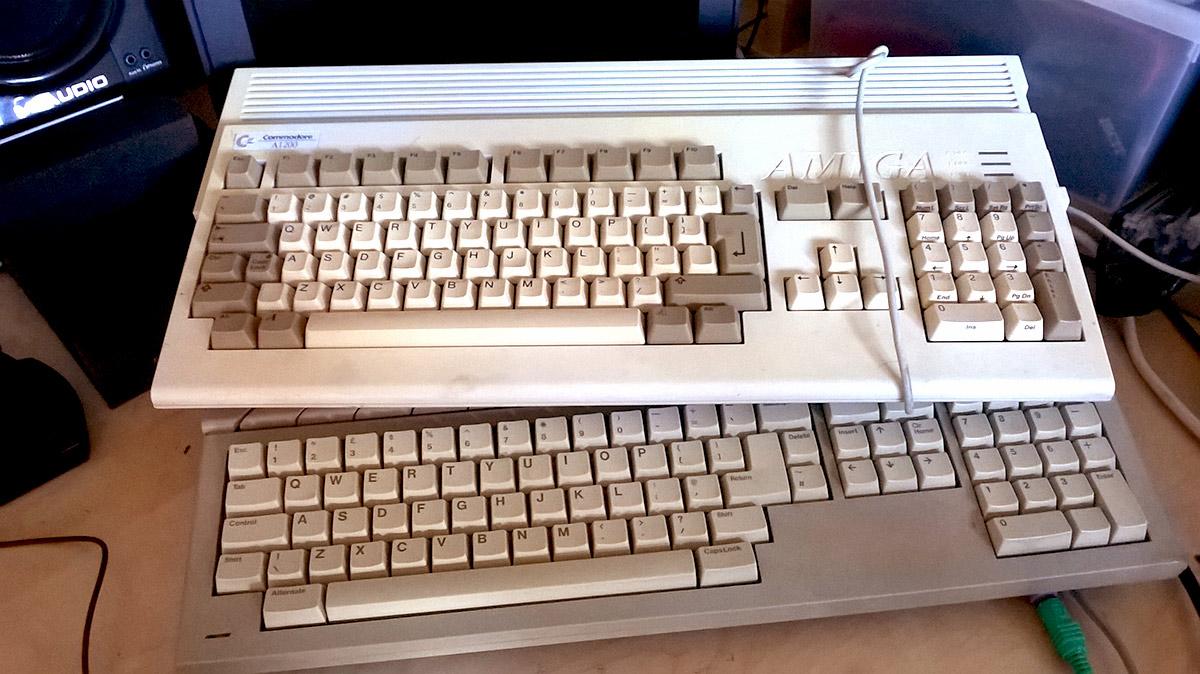 Amiga 1200 + Atari STfm
